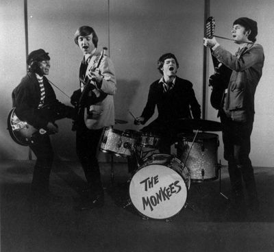 120229_otrc_davy_jones_years_monkees_playing