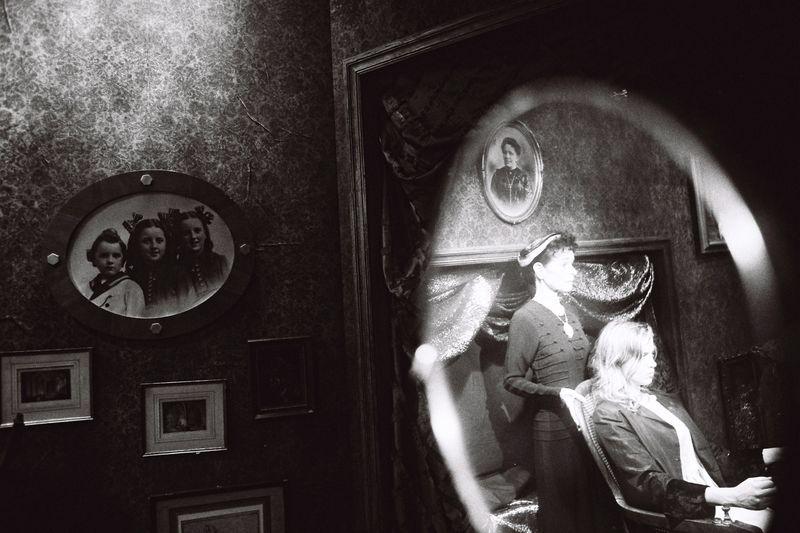 Geraldine Chaplin, Adèle Haenel in Blue Mountain Mystery