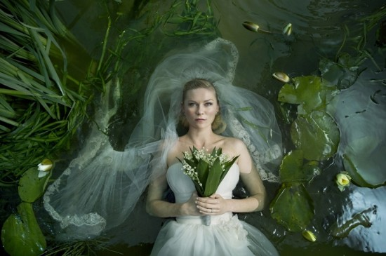 Melancholia-movie-photo-kristen-dunst-01-550x365