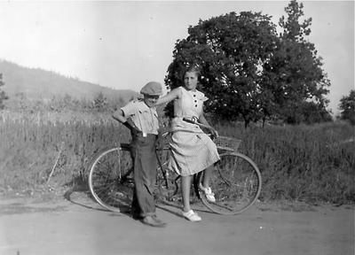 Bobby & dorothy gentry bike