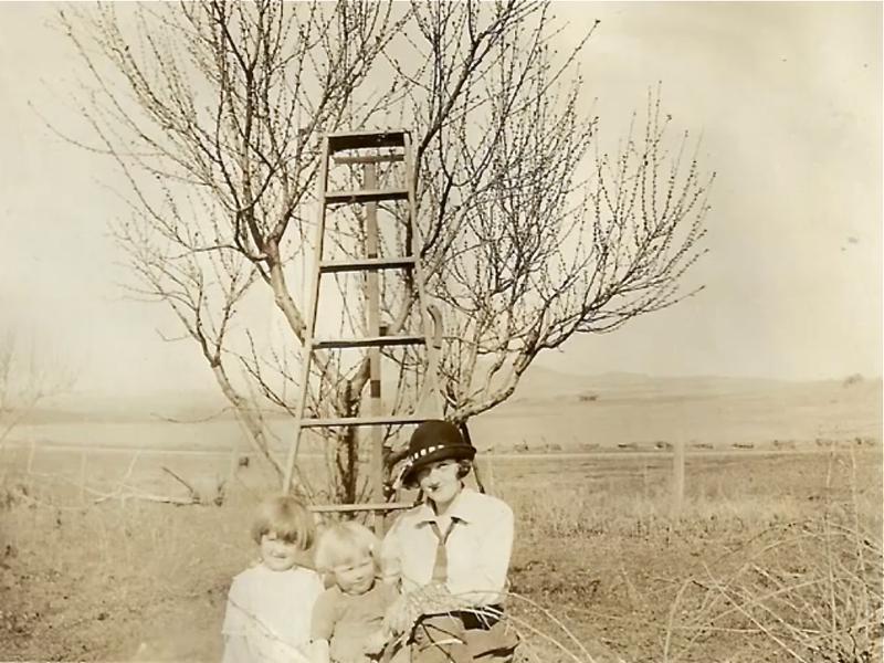 Dorothy, bobby, ethel orchard