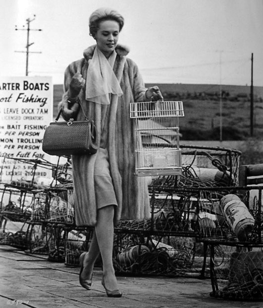 Tippi-hedren-and-birds