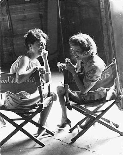 Bette_davis_and_joan_crawford