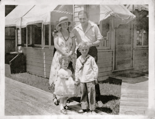 WALLACE-FAMILY1922
