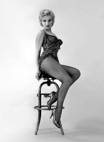 Marilyn-Monroe-Bus-Stop-marilyn-monroe-30593493-1148-1563