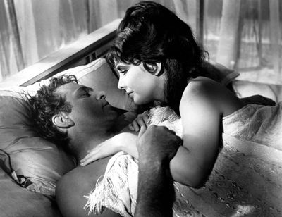 Still-of-richard-burton-and-elizabeth-taylor-in-cleopatra-(1963)-large-picture
