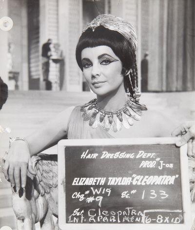 Elizabeth-Taylor-Cleopatra-Headdress