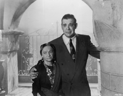 Lon-chaney-jr.-and-maria-ouspenskaya-in-the-wolf-man