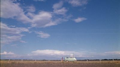 The-Texas-Chainsaw-Massacre-1974-van-landscape