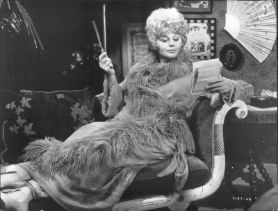 Whoever_Slew_Auntie_Roo_Shelley_Winters_1971_No_1