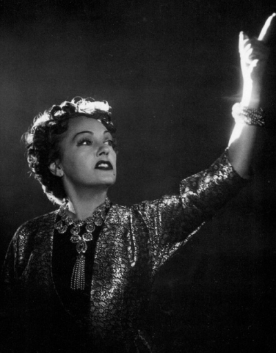 Sunset Blvd. Gloria Swanson as Norma Desmond