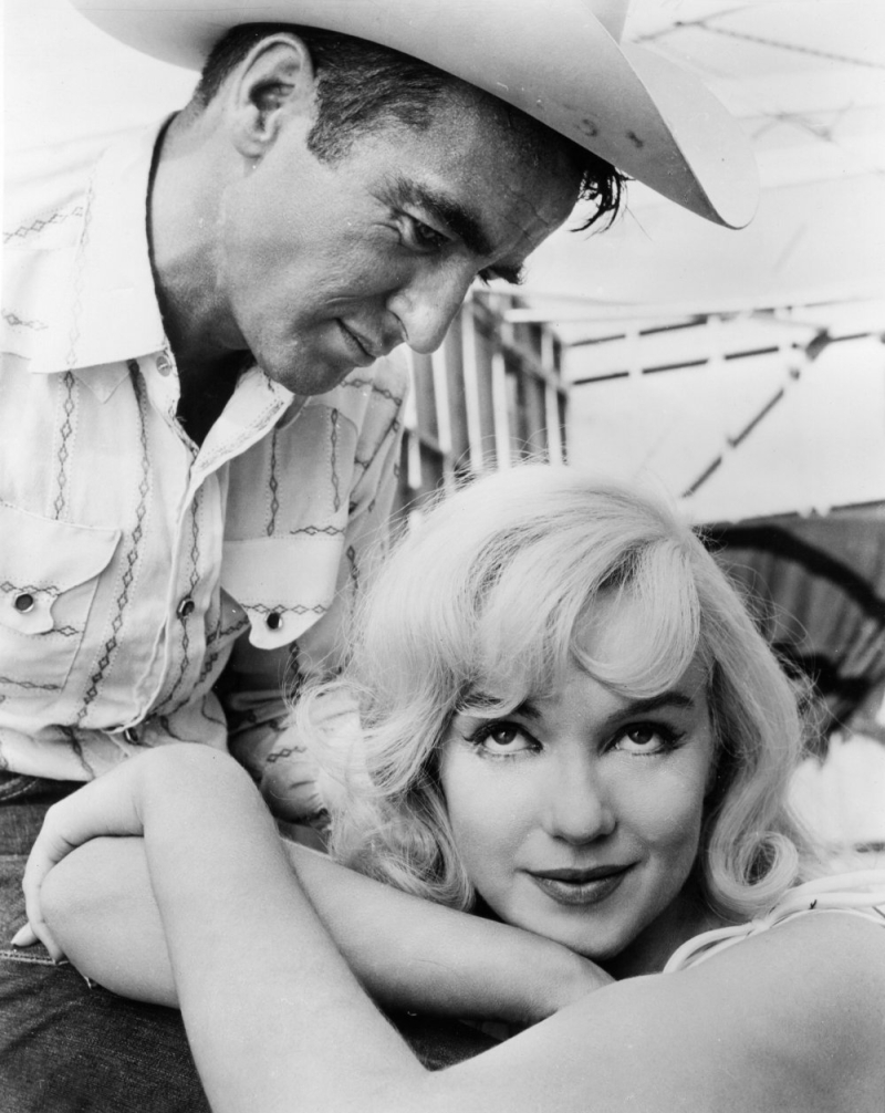 Misfits-the-1961-002-glamour-portrait-of-marilyn-monroe-and-montgomery-clift-attributed-to-magnum-photos-00o-eel